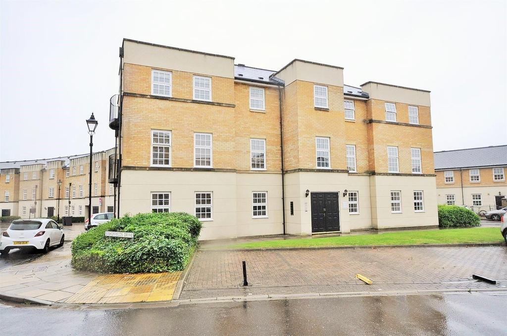 2 Bedrooms Apartment Flat for sale in Bishopfields Drive, York