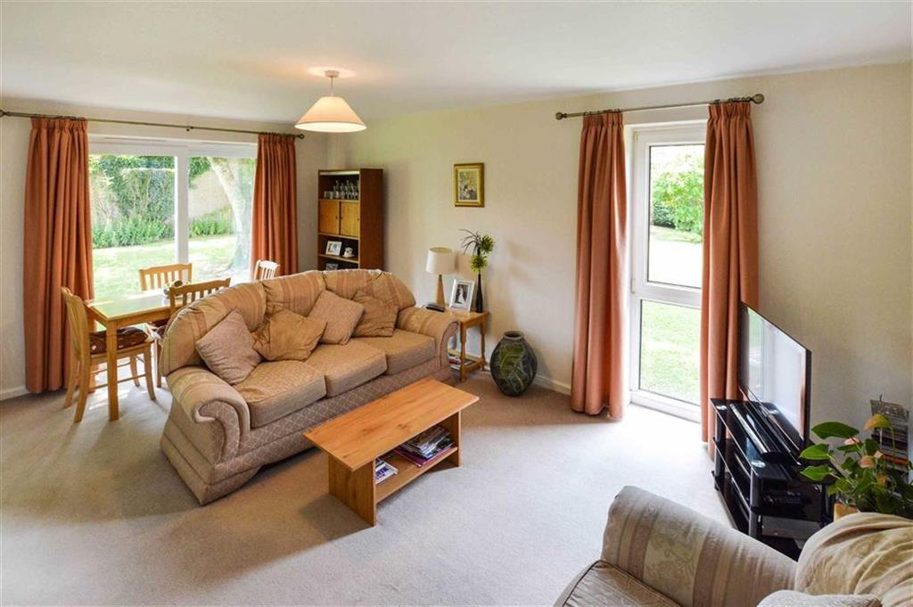 2 Bedrooms Apartment Flat for sale in Grange Court, Bowdon, Cheshire, WA14