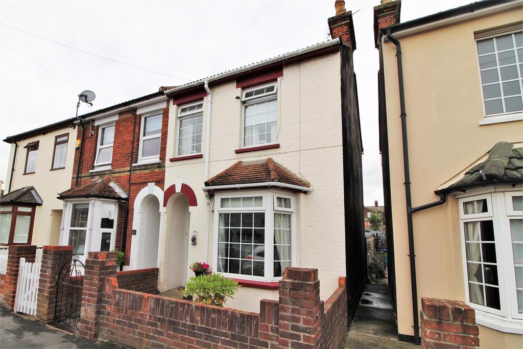 2 Bedrooms End Of Terrace House for sale in Lee Road, Harwich
