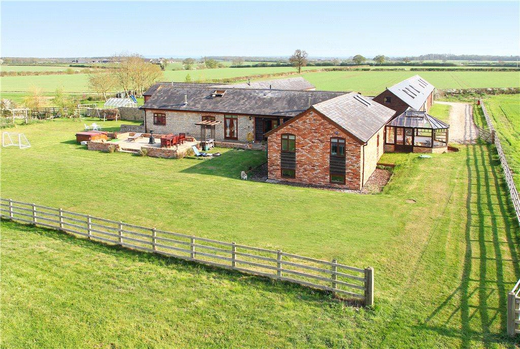 5 Bedrooms Barn Conversion Character Property for sale in Yew Tree Farm, Tathall End, Milton Keynes, Buckinghamshire