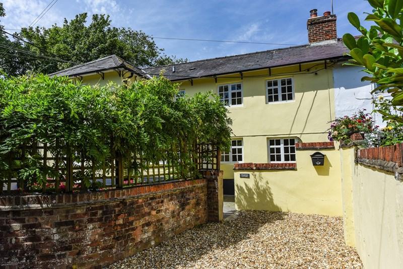 3 Bedrooms Semi Detached House for sale in Orange Lane, Over Wallop, Stockbridge