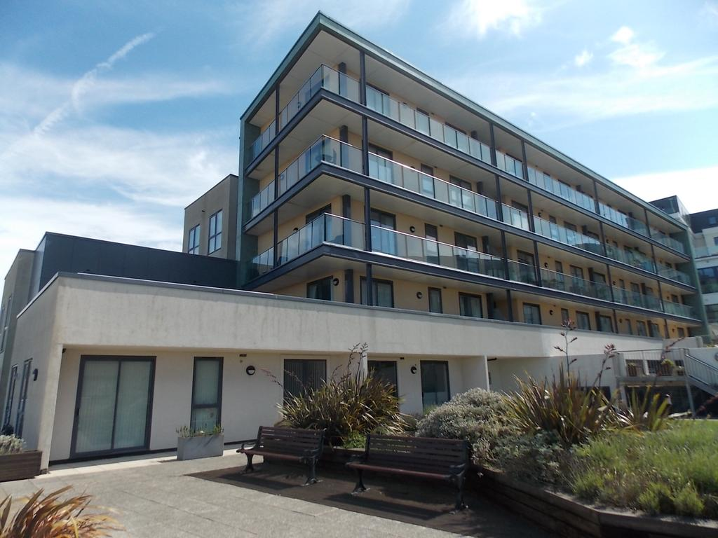 2 Bedrooms Flat for sale in Saltdean