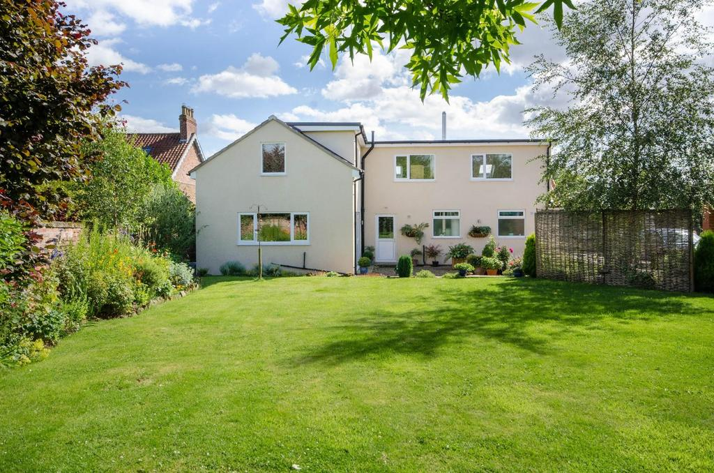 4 Bedrooms Detached House for sale in West Lilling, York