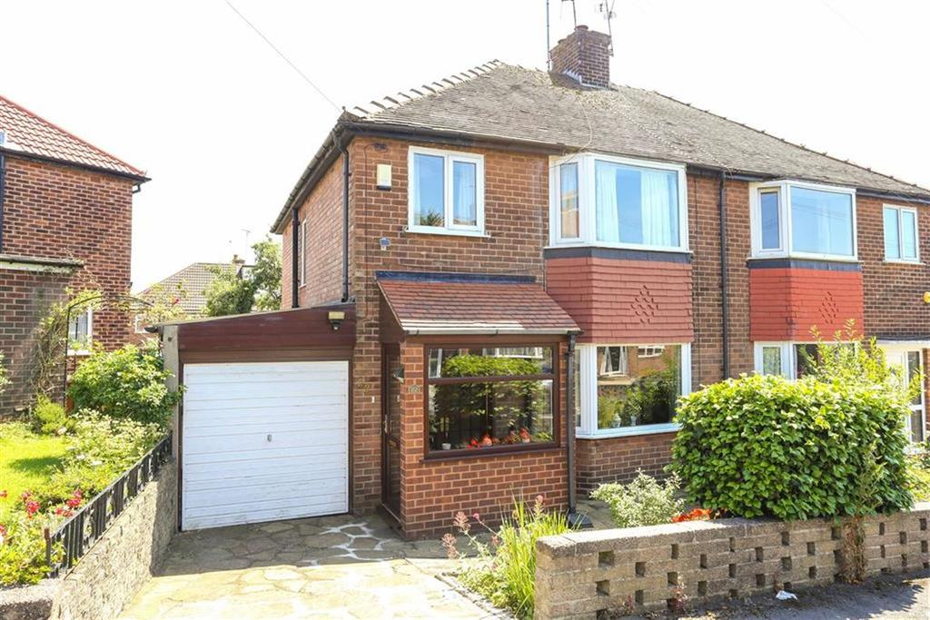 3 Bedrooms Semi Detached House for sale in Elmtree Drive, Heaton Norris
