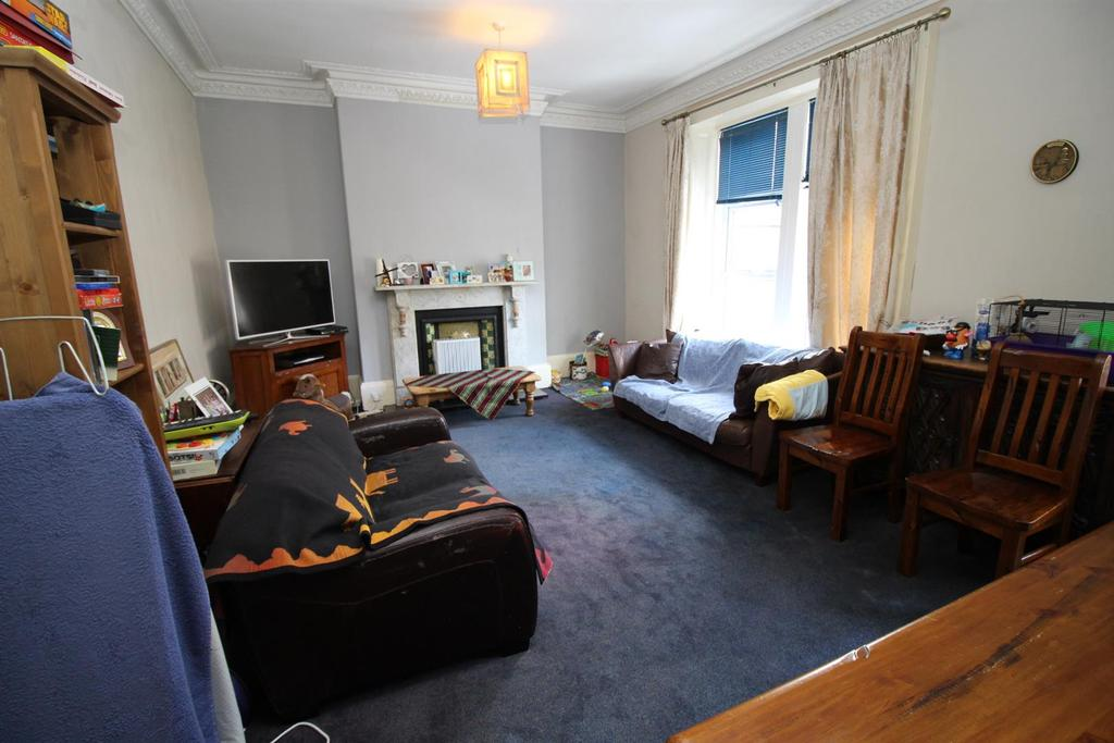 4 Bedrooms House for sale in Hutton Terrace, Newcastle Upon Tyne