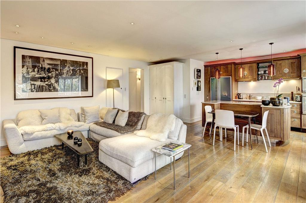 4 Bedrooms Flat for sale in Cleveland Square, Bayswater, London, W2