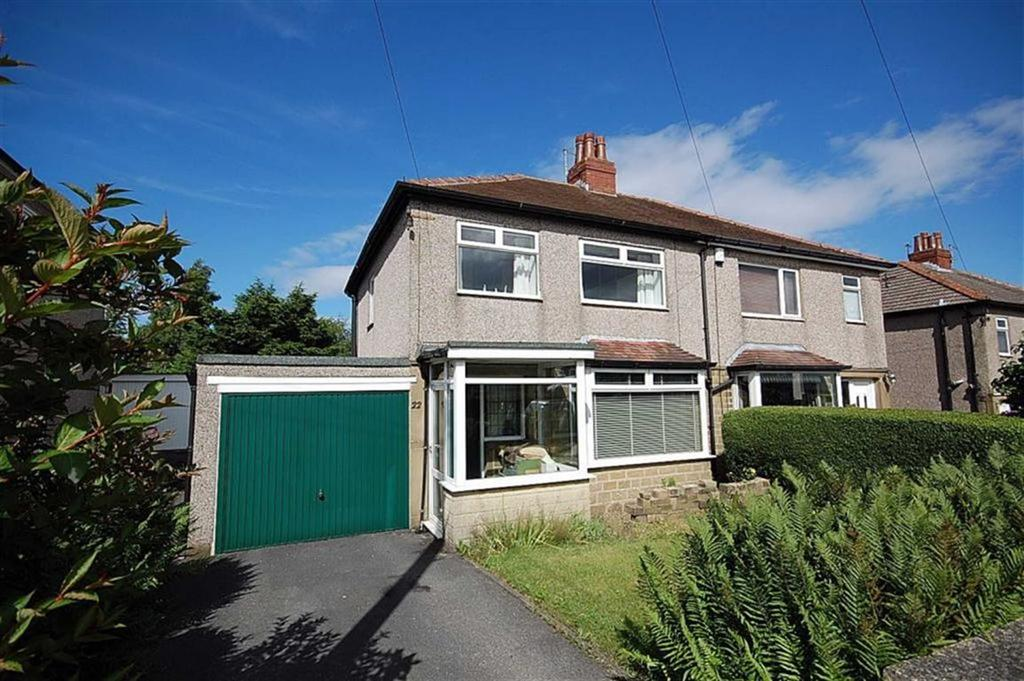 3 Bedrooms Semi Detached House for sale in Burniston Drive, Oakes, Huddersfield, HD3