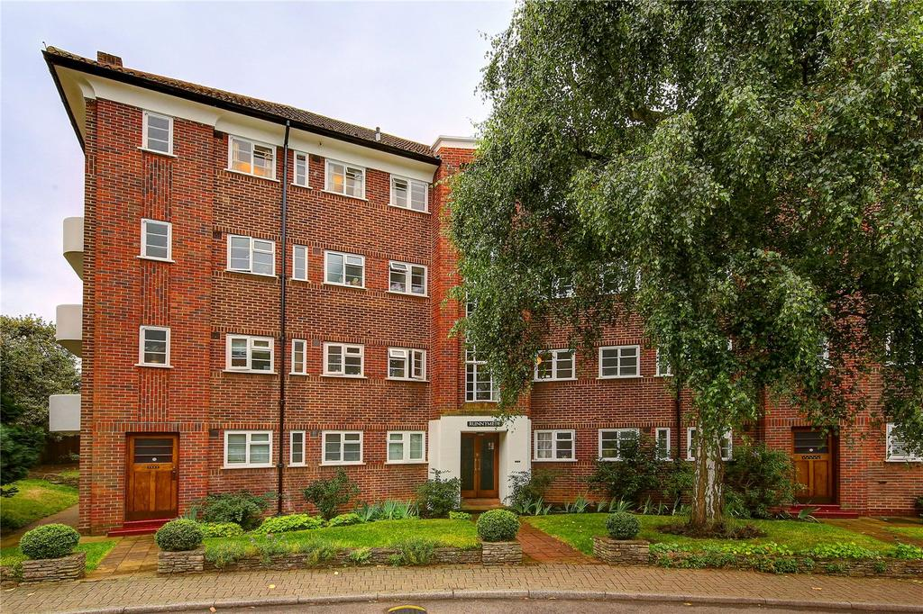 2 Bedrooms Flat for sale in Runnymede House, Courtlands, TW10