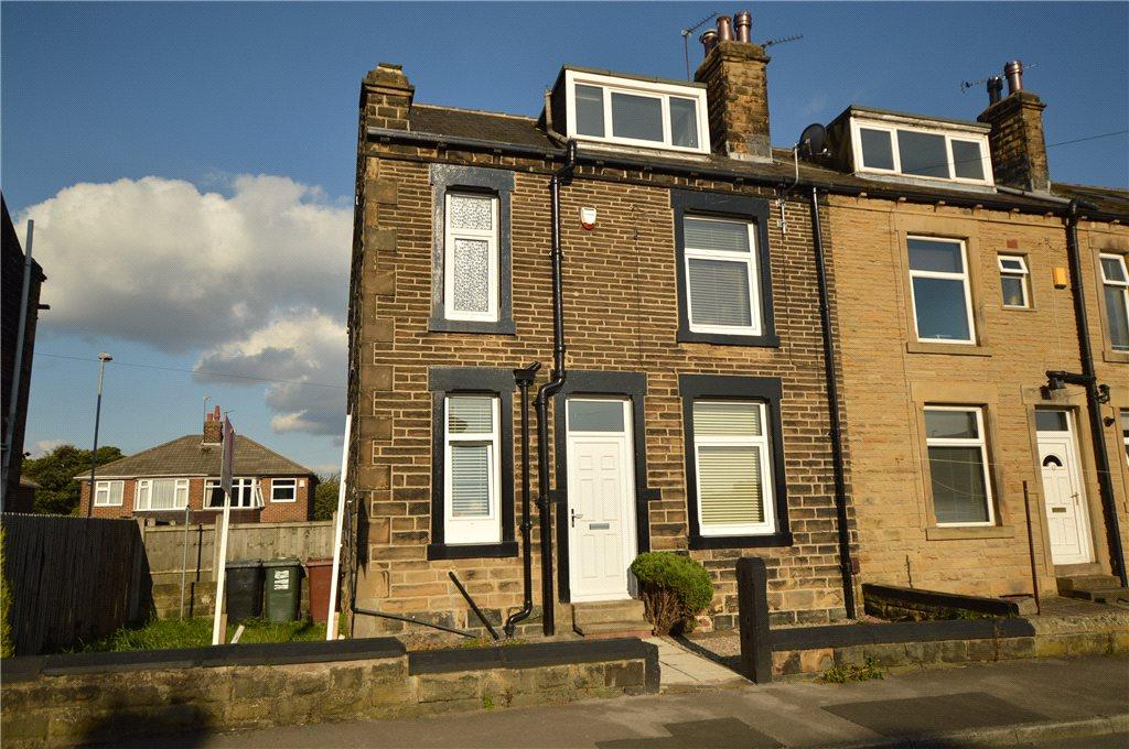2 Bedrooms Terraced House for sale in Springfield Road, Morley, Leeds