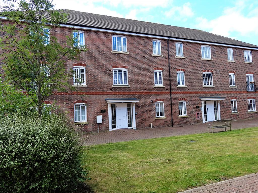 2 Bedrooms Flat for sale in Kew House, The Boulevard, Tangmere PO20