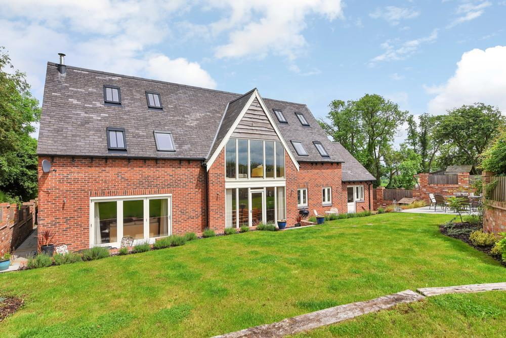 5 Bedrooms Detached House for sale in Main Street, Gumley, Market Harborough
