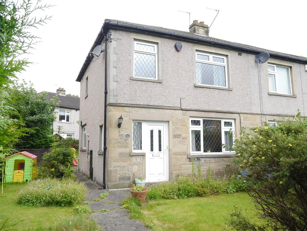 3 Bedrooms Semi Detached House for sale in Pullan Drive, Eccleshill, Bradford, BD2 3RW