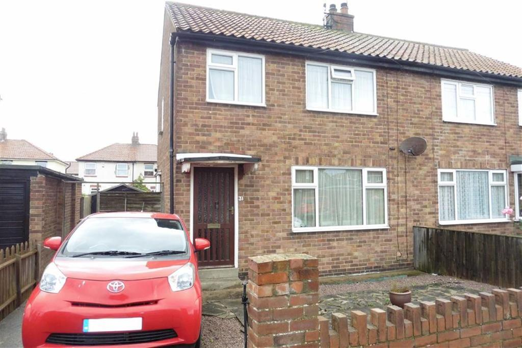 2 Bedrooms Semi Detached House for sale in Wentworth Road, Bridlington, East Yorkshire