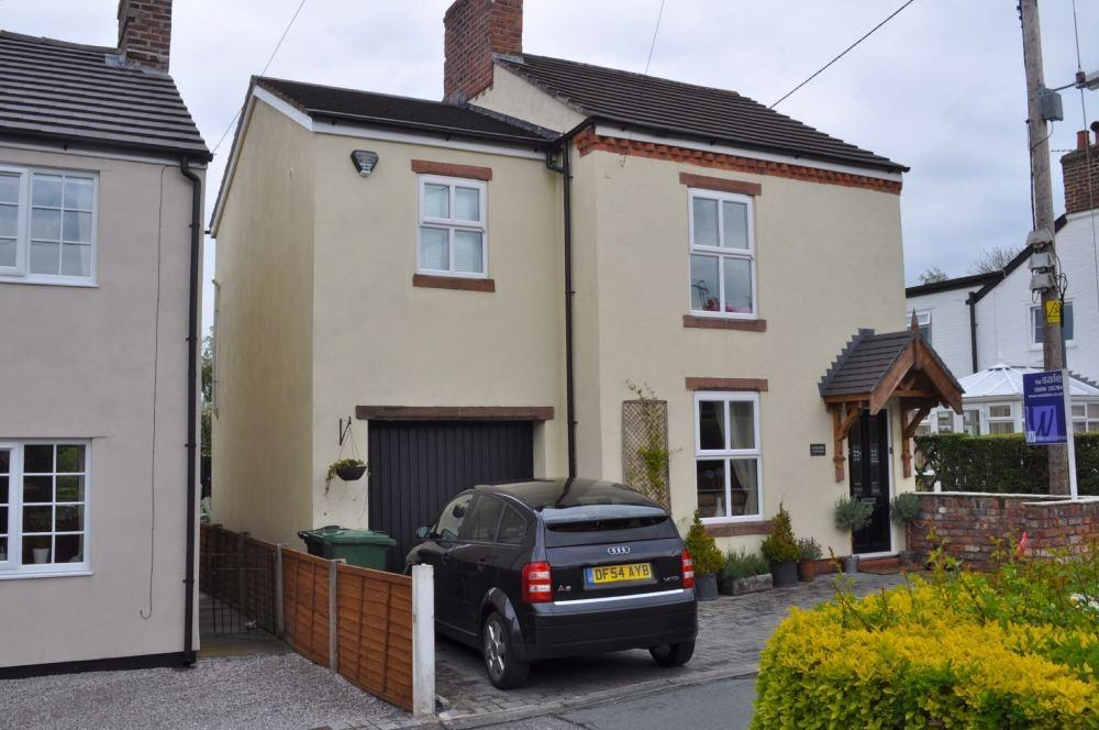3 Bedrooms Cottage House for sale in Firth Fields, Davenham, NORTHWICH, CW9