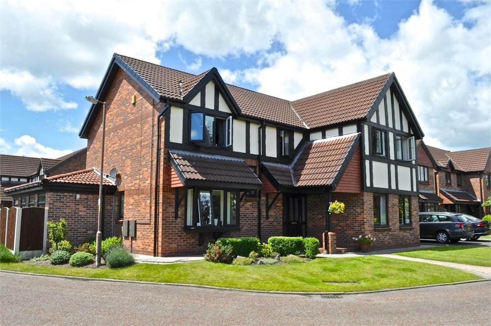 4 Bedrooms Detached House for sale in Mornant Avenue, Hartford, Northwich, CW8