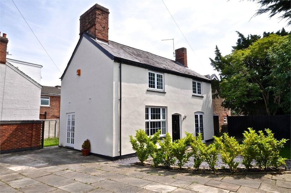 3 Bedrooms Cottage House for sale in London Road, Northwich, CW9