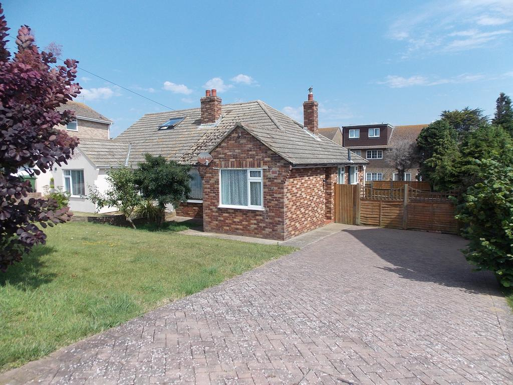 2 Bedrooms Semi Detached Bungalow for sale in Firle Road, Peacehaven, East Sussex