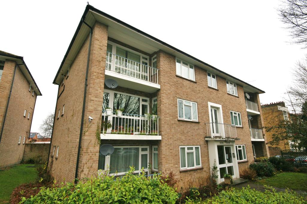 2 Bedrooms Apartment Flat for sale in Dene Court, Mount Avenue, Ealing W5