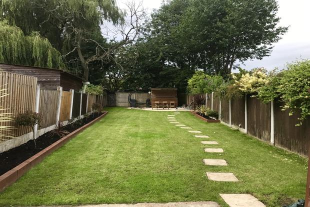 3 Bedrooms Terraced House for sale in Beauvale Crescent, Hucknall, Nottingham, NG15