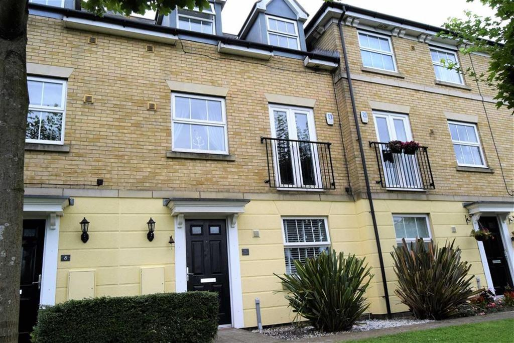 4 Bedrooms Town House for sale in Rotary Gardens, Gillingam, Kent, ME7