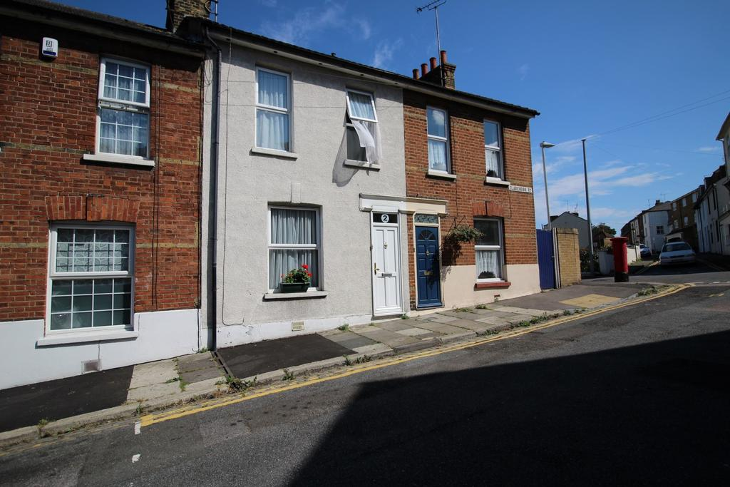 2 Bedrooms Terraced House for sale in Clarendon Road, Gravesend, Kent DA12