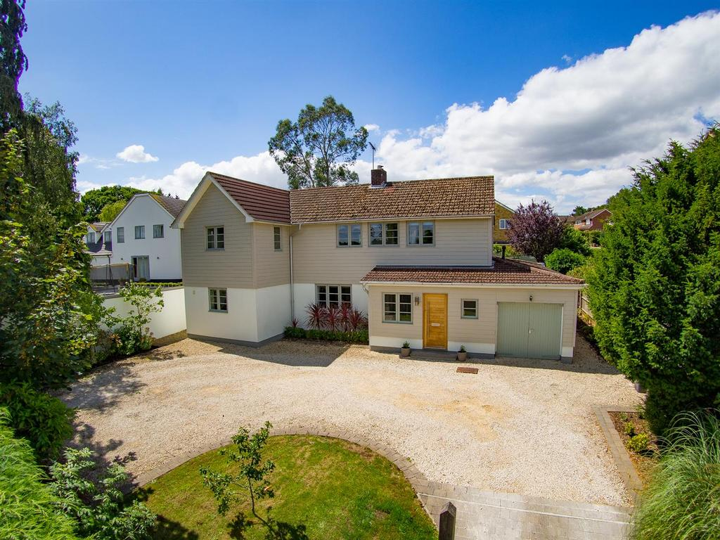 4 Bedrooms Detached House for sale in Pulens Lane, Petersfield