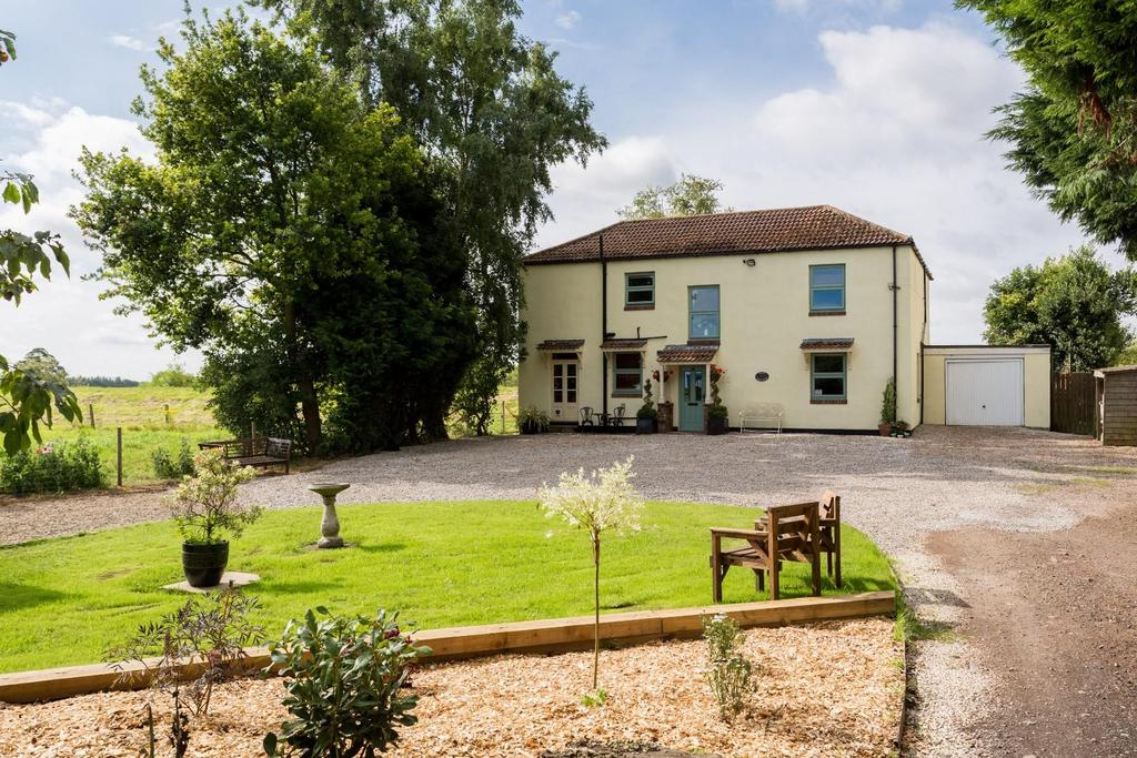 4 Bedrooms Detached House for sale in Cliffe, Selby