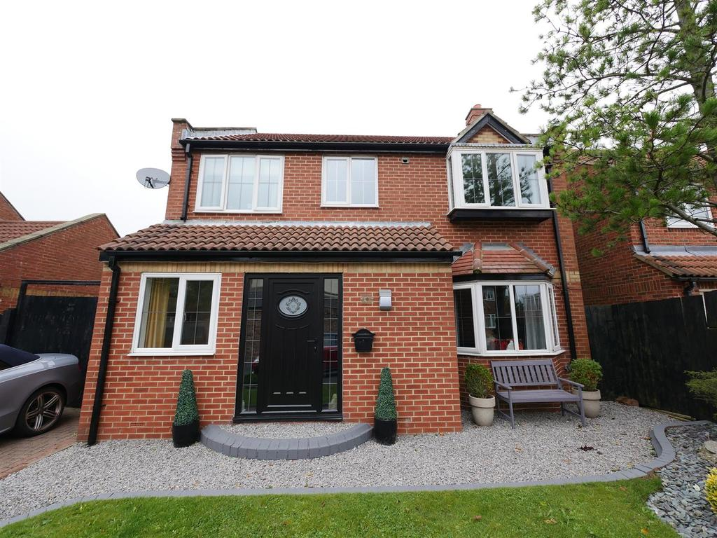 4 Bedrooms Detached House for sale in Hilltop Garden, Tunstall, Sunderland