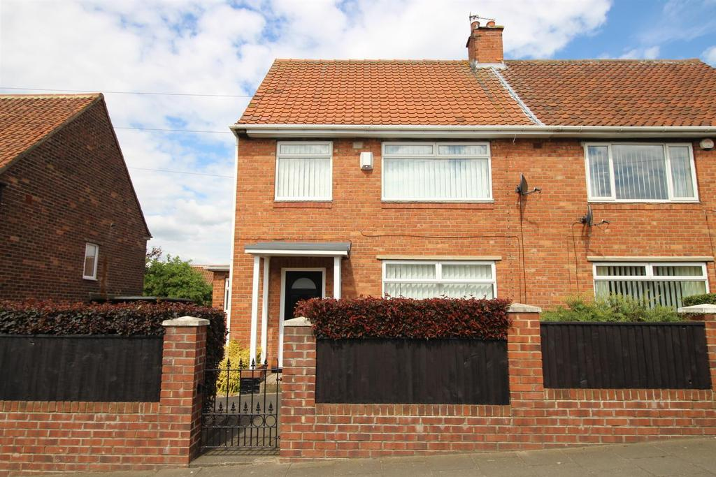 3 Bedrooms Semi Detached House for sale in West Road, Fenham, Newcastle Upon Tyne