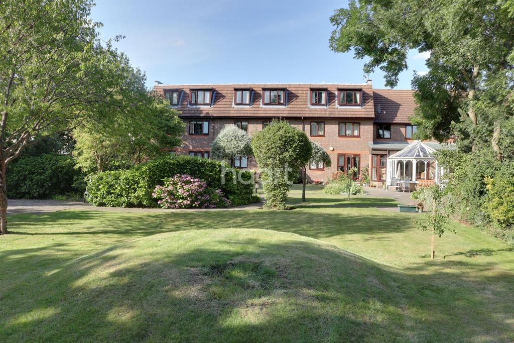 1 Bedroom Flat for sale in Fernleigh Court, Mawney Road