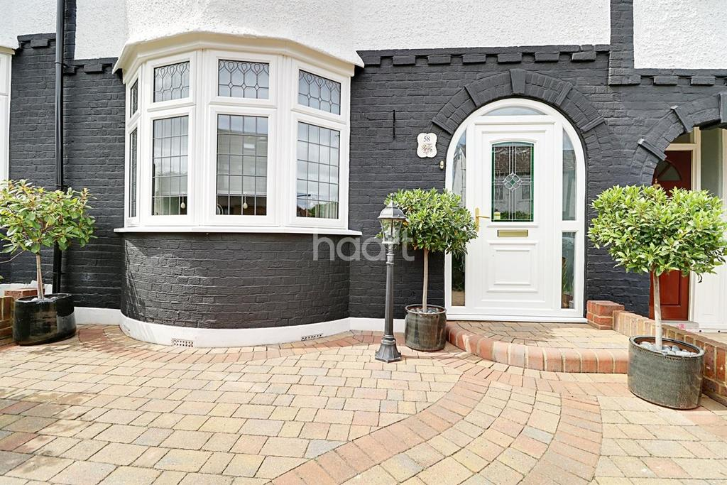3 Bedrooms Terraced House for sale in Abbotts Crescent, E4