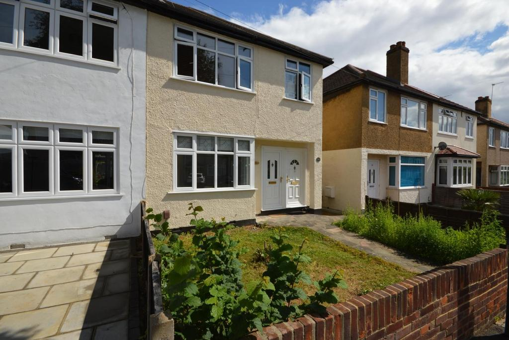 1 Bedroom Maisonette Flat for sale in Link Way, Hornchurch, Essex, RM11