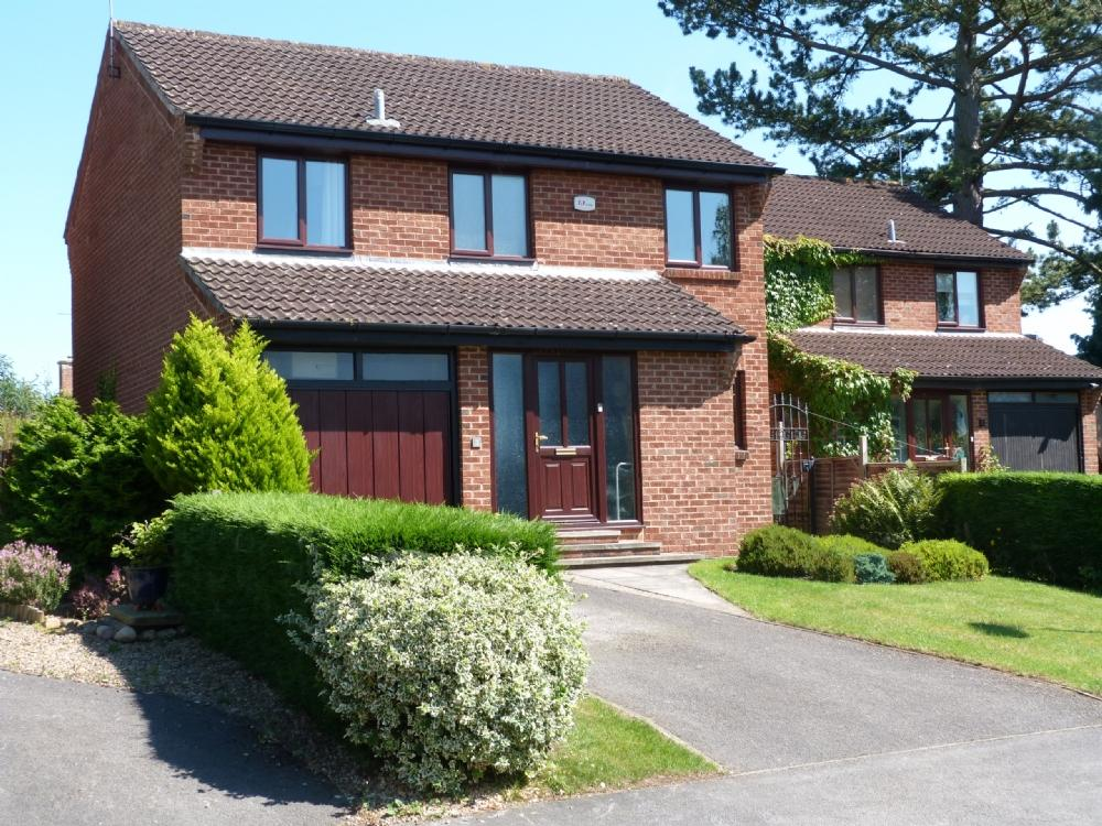4 Bedrooms Detached House for sale in 3 Westmount Close Ripon HG4 2HU