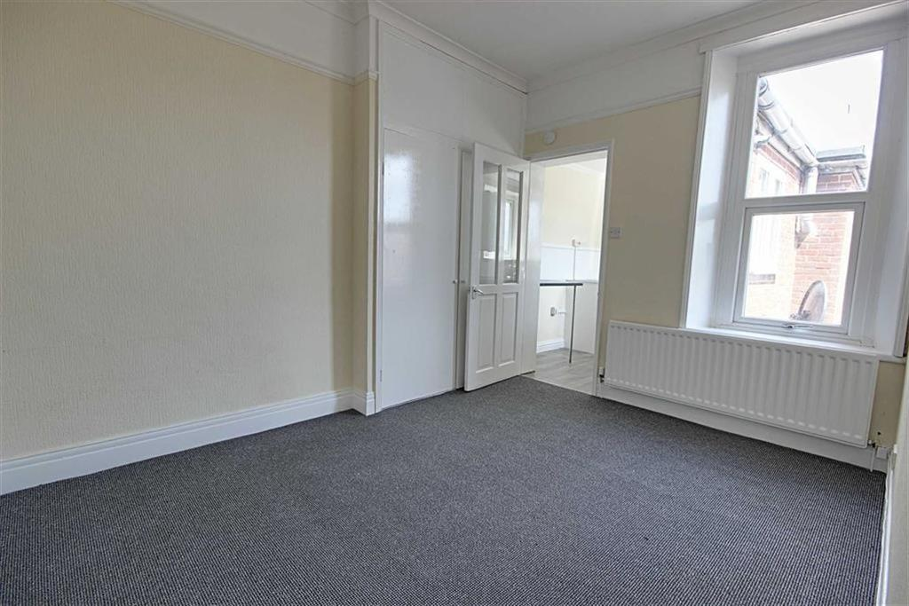 2 Bedrooms Flat for sale in Charles Street, Boldon, Tyne And Wear