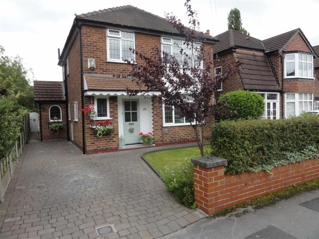 3 Bedrooms Detached House for sale in Outwood Drive, Heald Green