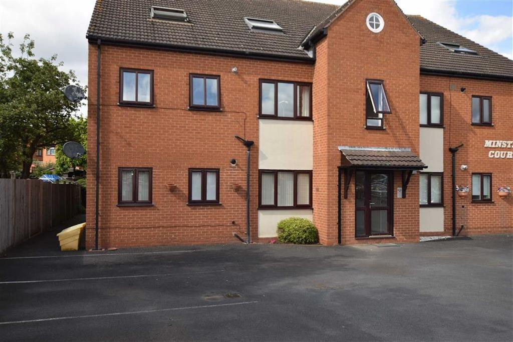 2 Bedrooms Apartment Flat for sale in St Michaels Close, Stourport On Severn, Worcestershire