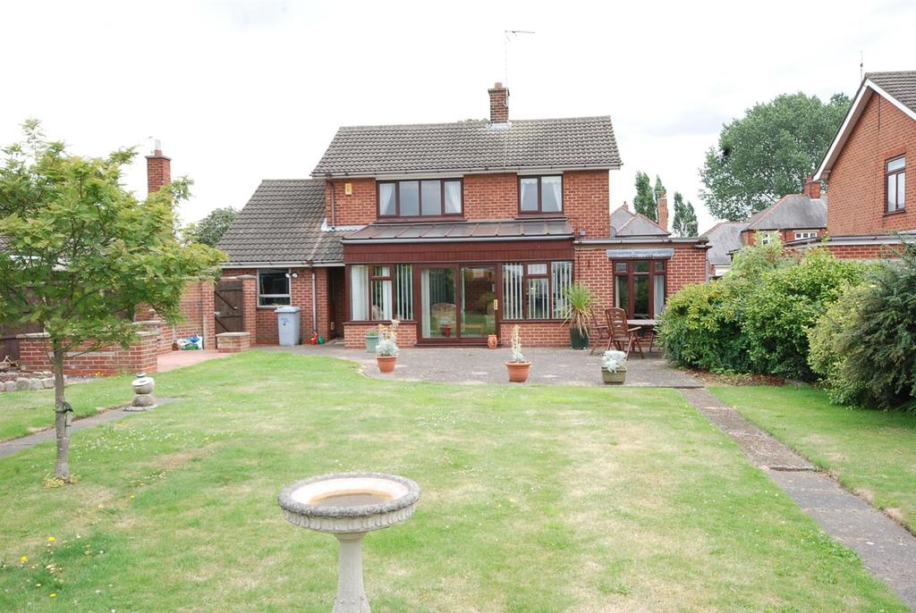 3 Bedrooms Detached House for sale in Hawton Road, Newark