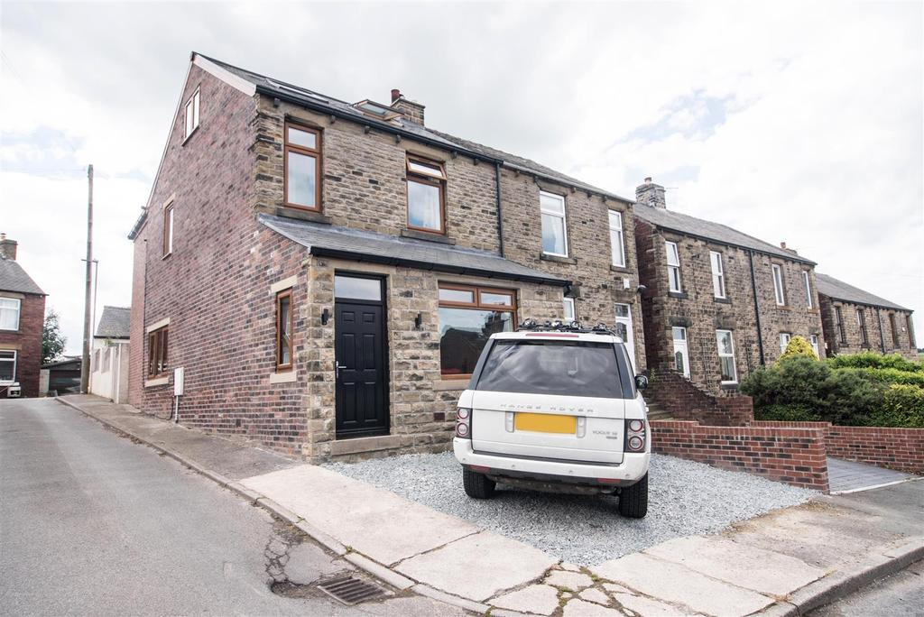 4 Bedrooms Semi Detached House for sale in Spencer Street, Skelmanthorpe, Huddersfield