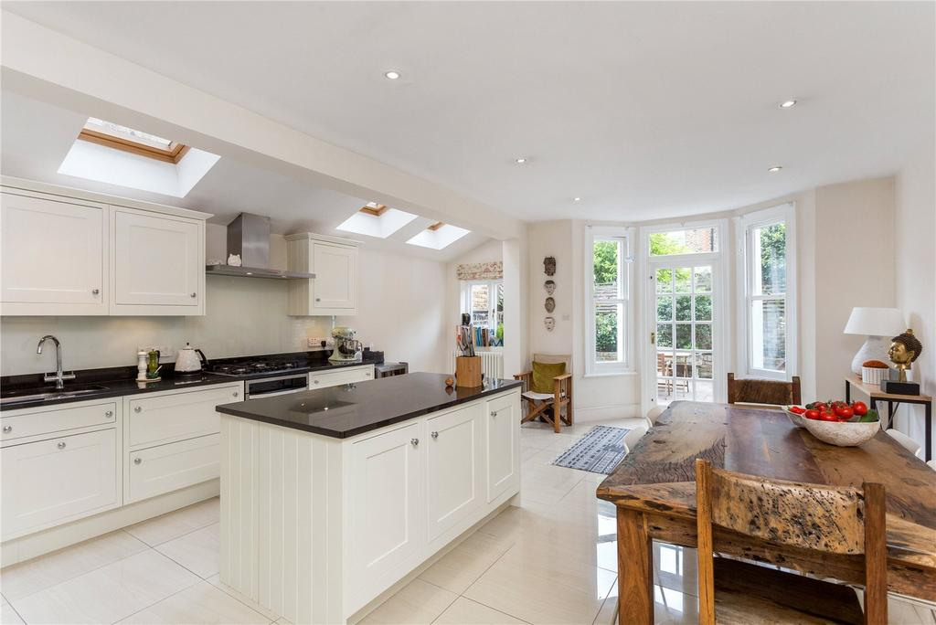 3 Bedrooms Terraced House for sale in Ringmer Avenue, Bishops Park, Fulham, London, SW6