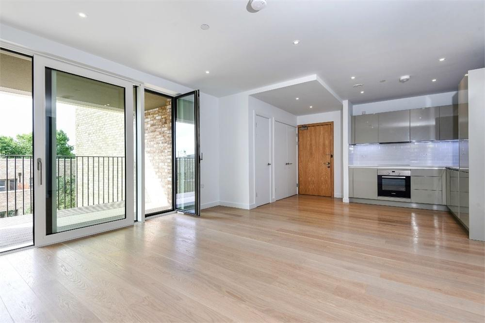 2 Bedrooms Flat for sale in Drake Apartments, Heygate Street, Elephant and Castle, SE1
