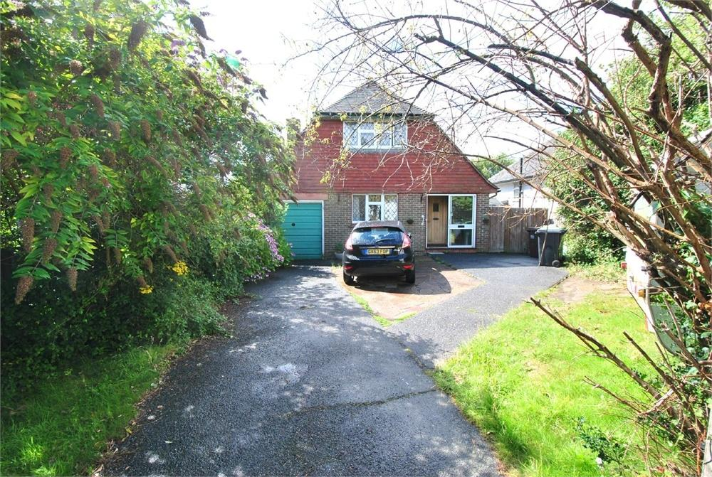 3 Bedrooms Chalet House for sale in Barnhorn Road, BEXHILL-ON-SEA, East Sussex