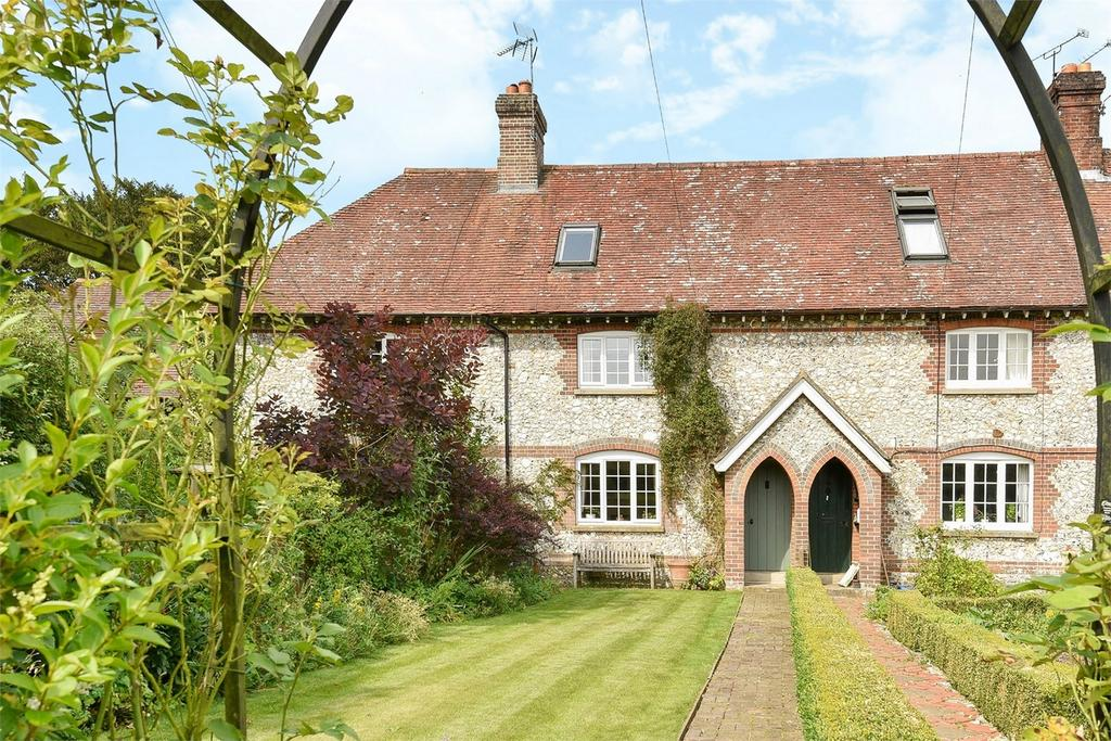3 Bedrooms Terraced House for sale in Bramdean, Hampshire