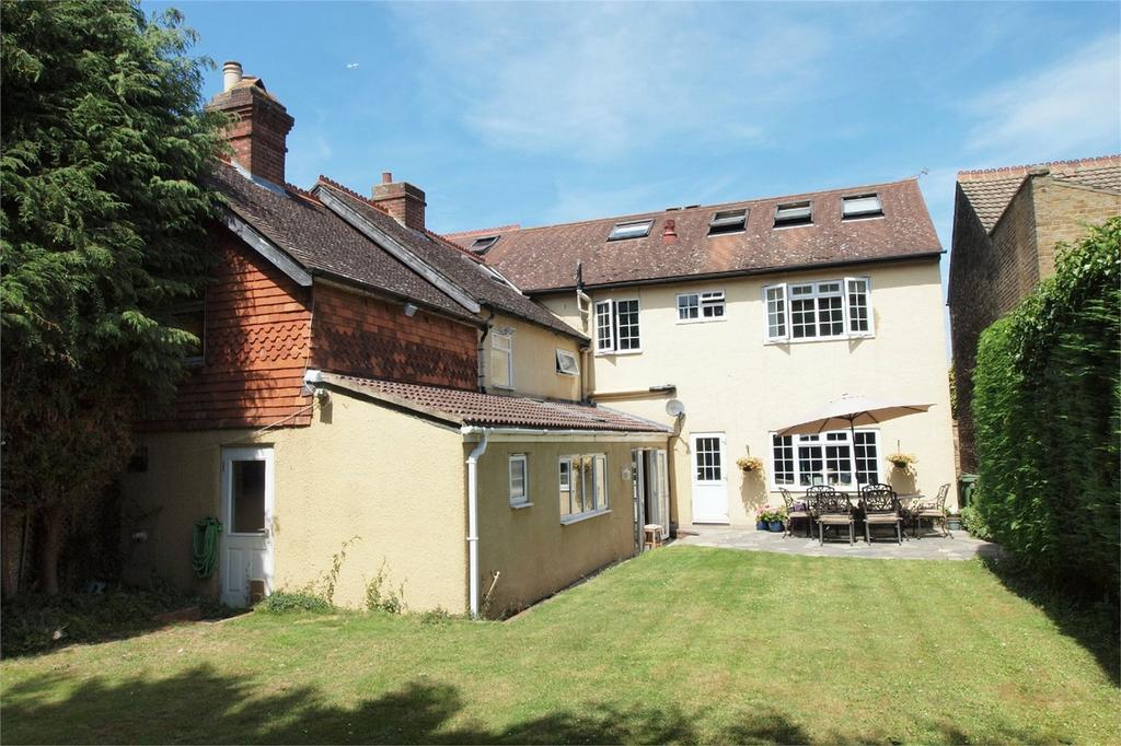 7 Bedrooms Semi Detached House for sale in Grosvenor Road, West Wickham, Kent