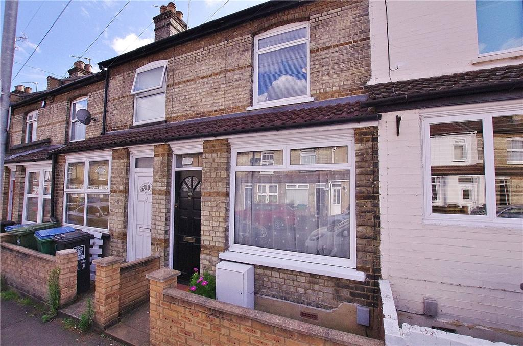 2 Bedrooms Terraced House for sale in Shaftesbury Road, Watford, Hertfordshire, WD17
