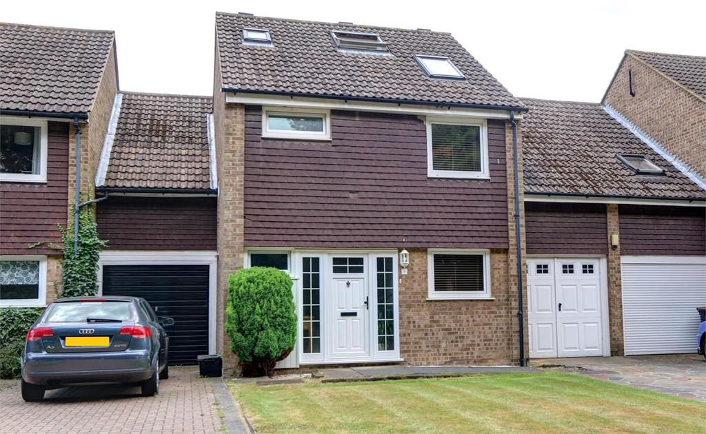 4 Bedrooms Link Detached House for sale in Otford Close, Bickley, Kent