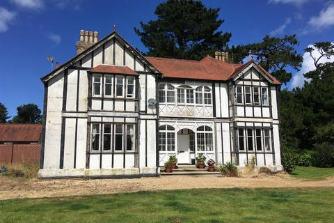 6 bedroom property with land for sale - Goodwick