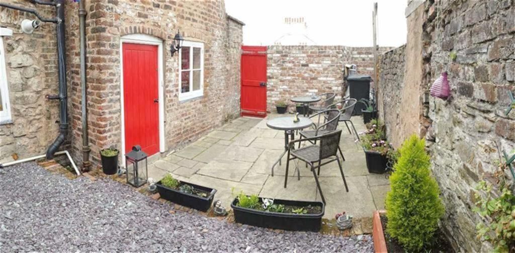 Terraced House for sale in Well Street, Holywell, Flintshire