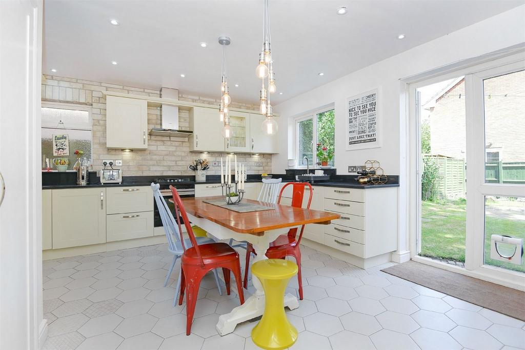 4 Bedrooms Detached House for sale in Colden Common, Winchester, Hampshire