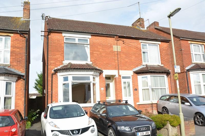 3 Bedrooms Semi Detached House for sale in Old Winton Road, Andover