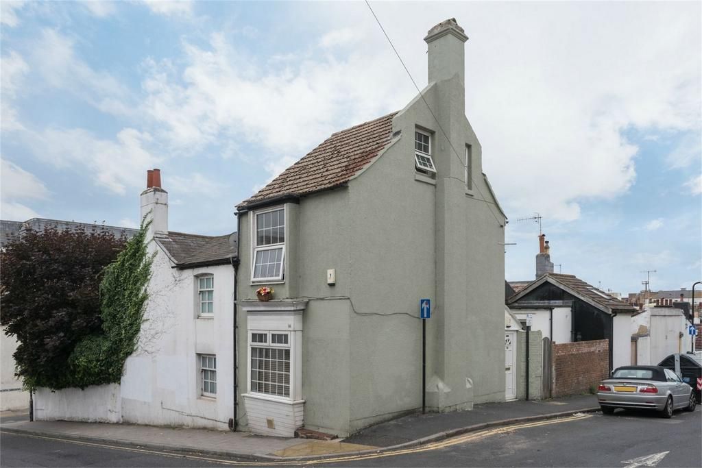2 Bedrooms Semi Detached House for sale in Upper Gloucester Road, Central Brighton, East Sussex
